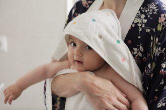 Hora del baño del bebé